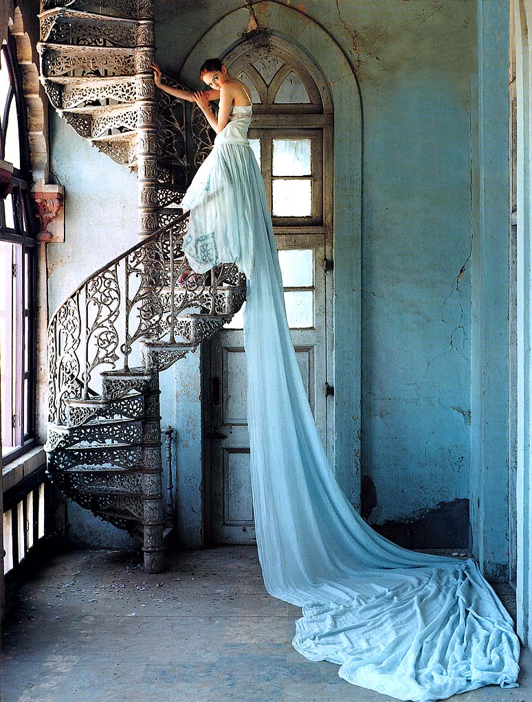 vogue-uk-july-2005-lilytakesatrip-photosby0timwalker-scannedby-zob-12